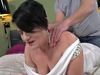 SpankWire Porno - Cock Sucking Gilf Facial